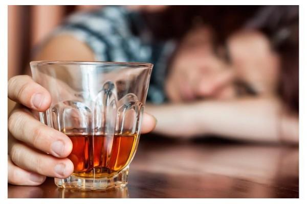 Xử lý khi ngộ độc rượu vang