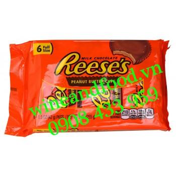 Bánh phủ socola sữa bơ đậu phộng Reese's 255g