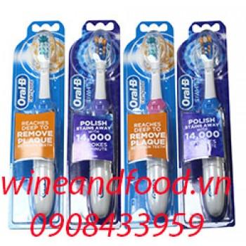 Bàn chải đánh răng máy Oral-B