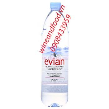 Nước suối khoáng Evian 1250ml