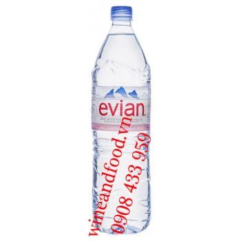 Nước suối khoáng Evian 1L5