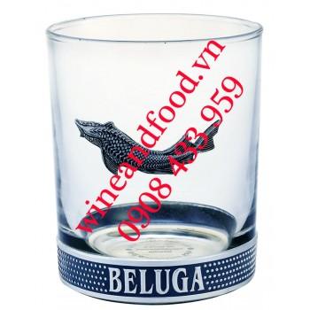 Ly Rock uống rượu Beluga