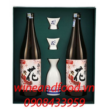 Bộ bình và ly rượu Sake