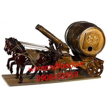 Kệ rượu vang 2 ngựa kéo pháo trống gỗ 01