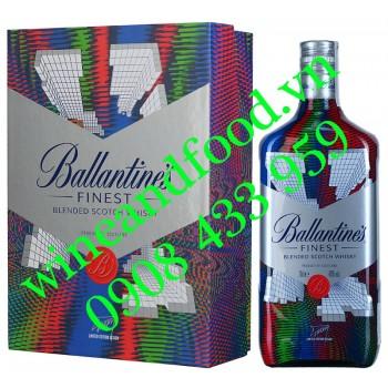 Rượu Whisky Ballantine's Finest hộp quà