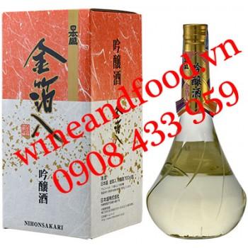 Rượu Sake Kinpakuirl Ginjoshu Nihonsakari vảy vàng 720ml