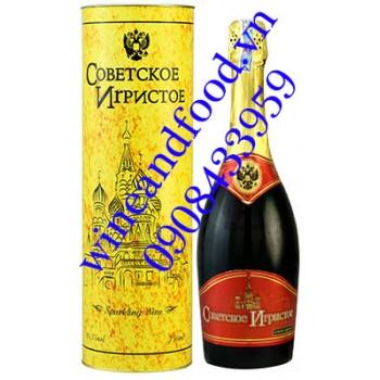 Rượu vang nổ Szovjetszkoje Igisztoje đỏ 750ml