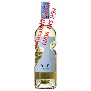 Rượu vang trắng ngọt Dilé Moscato 750ml