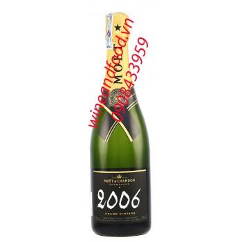 Rượu Champagne Moet 2006