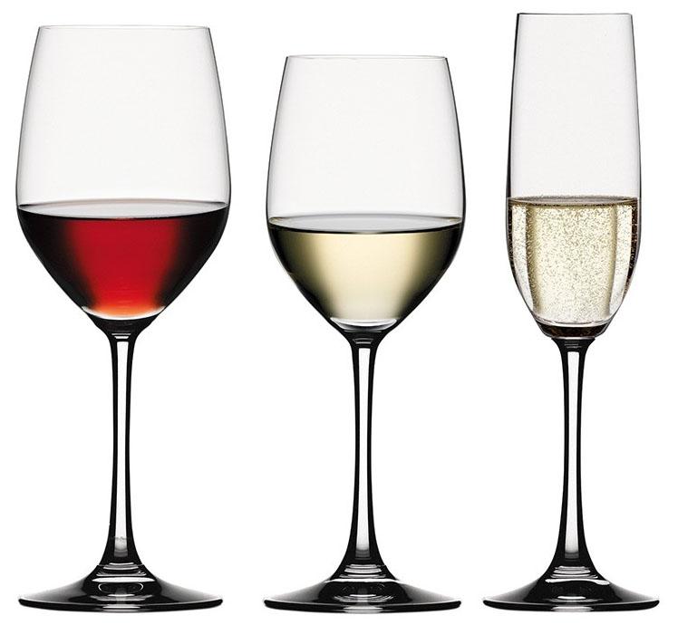 Một chiếc ly uống rượu vang tốt sẽ cho bạn những trải nghiệm đáng giá