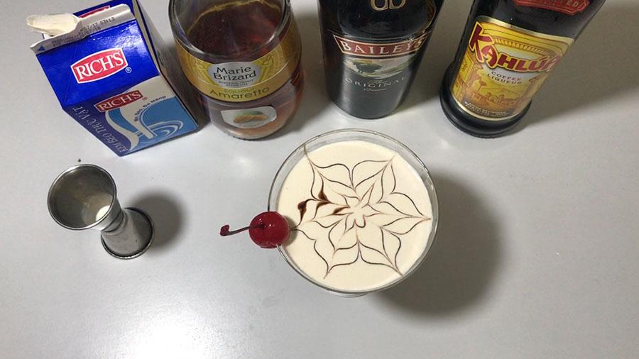 Hình ảnh ly cocktail I Love You