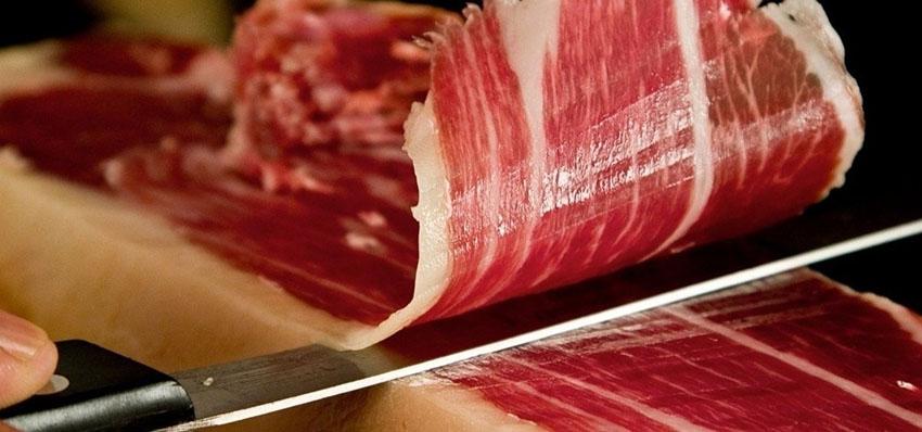 Jamon Iberico là loại thịt heo muối xông khói của Tây Ban Nha
